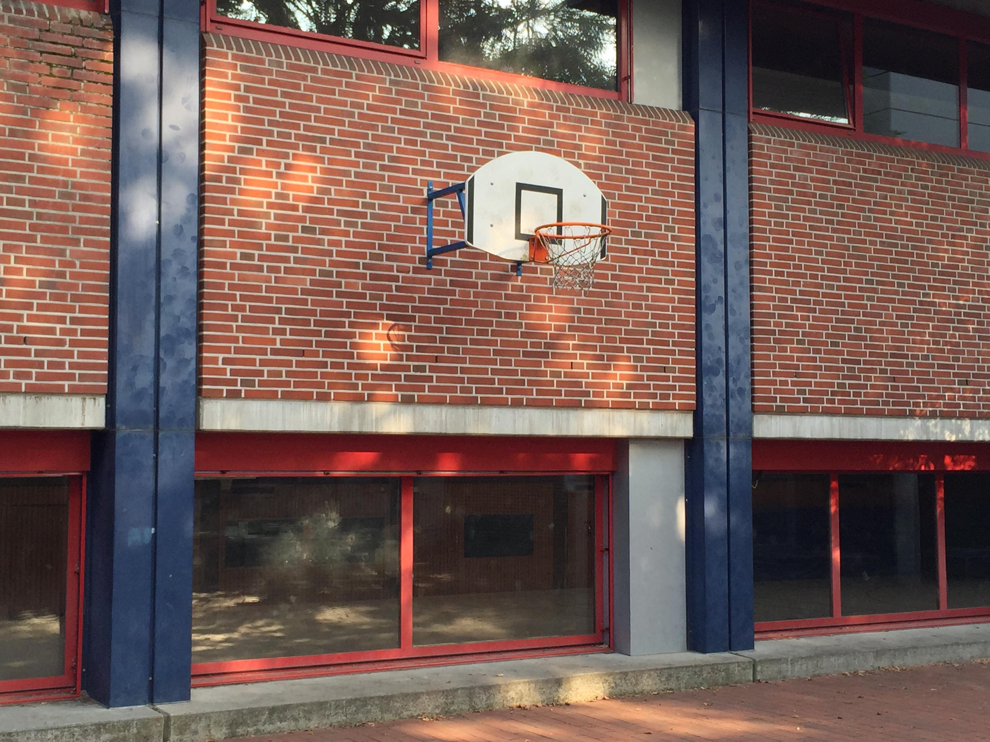 2 Körbe, Graf-Anton-Günther-Schule, 26135 Oldenburg – Osternburg