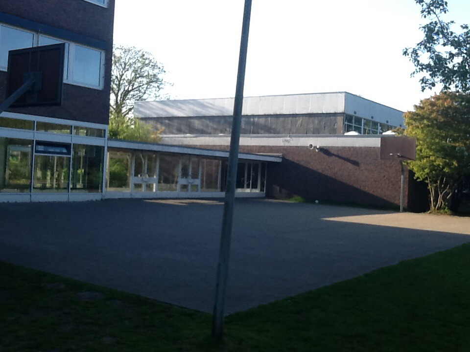 2 Körbe, Gymnasium Eversten, 26129 Oldenburg – Eversten