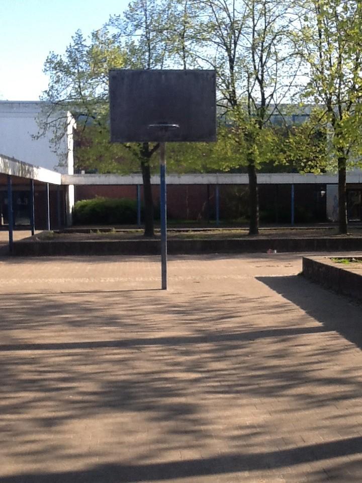 1 Korb, Grundschule Bloherfelde, 26129 Oldenburg – Bloherfelde